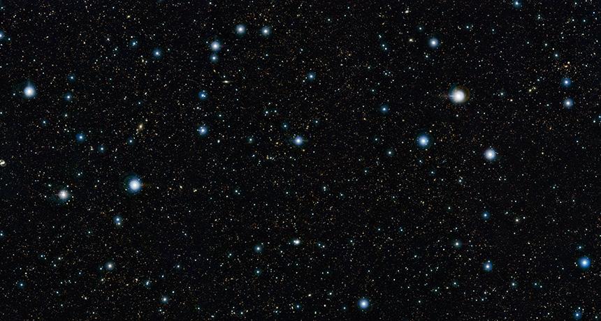 Şili Paranal Gözlemevinden alınan bu fotoğraftaki gibi gökadalar teninizdeki esmerlikten %1'de bir milyon oranında sorumludur. Bu fotoğraftaki mavi-ak ışıklar Samanyolu'ndaki yıldızlardır, geri kalanın çoğu ise gökadalar.