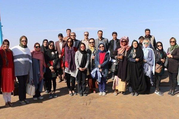 Büyükelçilerin Eşleri Urmiye Gölünde Kaynak: Tehrantimes
