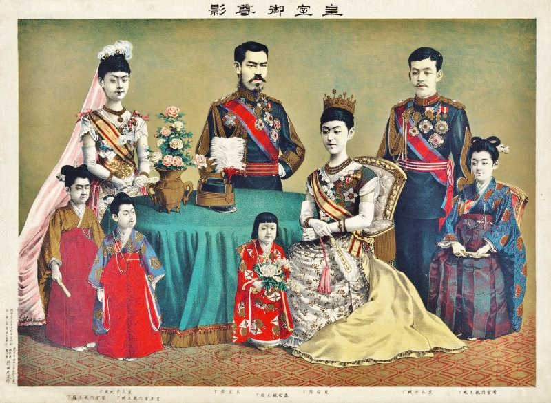 the_meiji_emperor_of_japan_and_the_imperial_family_by_torajiro_kasai_1900-800x586