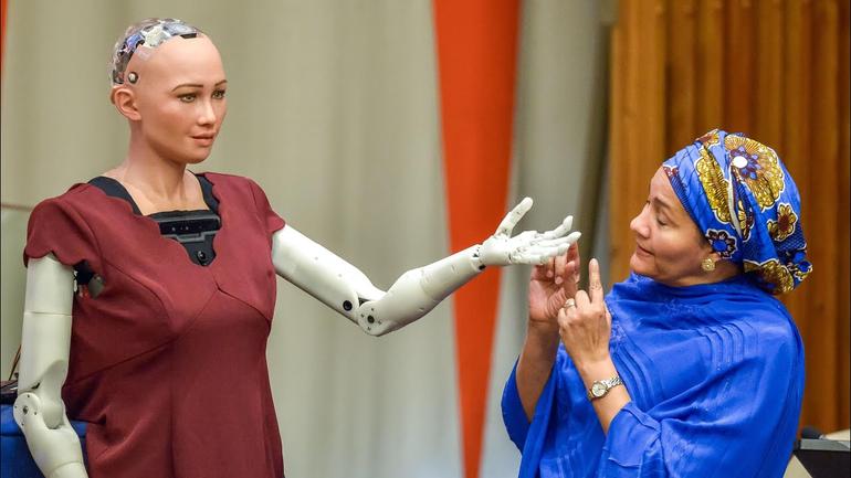 Robot Sophia 2