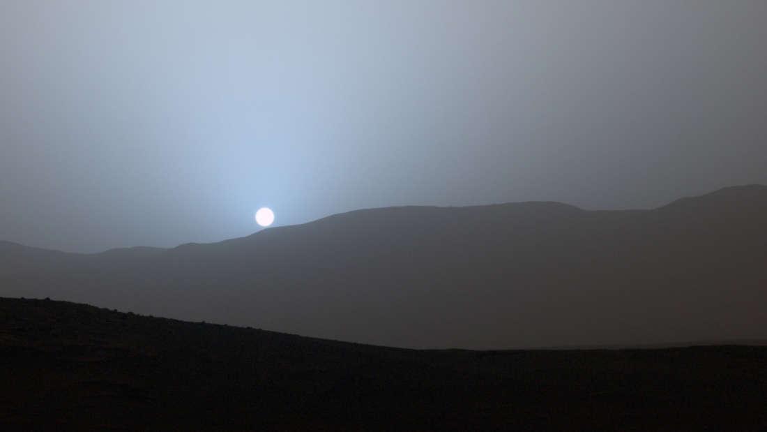 Mars'ta Mavi Günbatımı