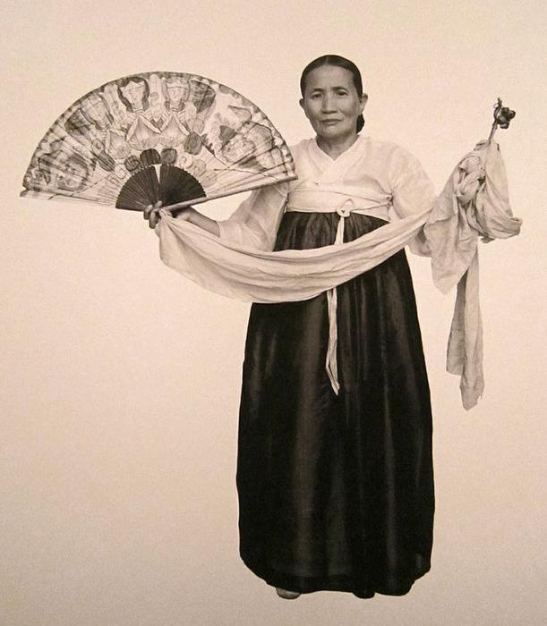 mudang-1930s-01a-700_orig