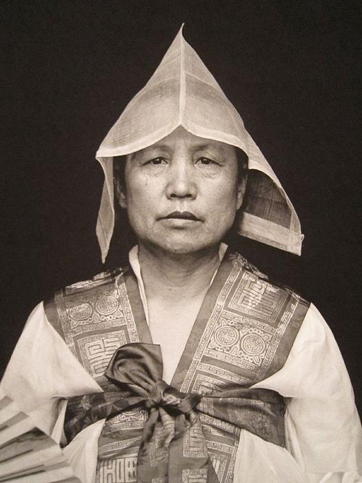 mudang-1930s-02a-700_orig